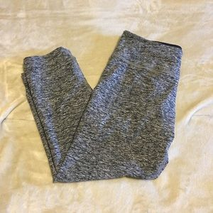 Beyond Yoga gray space dye Capri leggings -Small